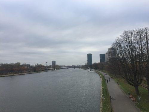 Vista da ponte (não parece, mas tava até ameaçando um solzinho)