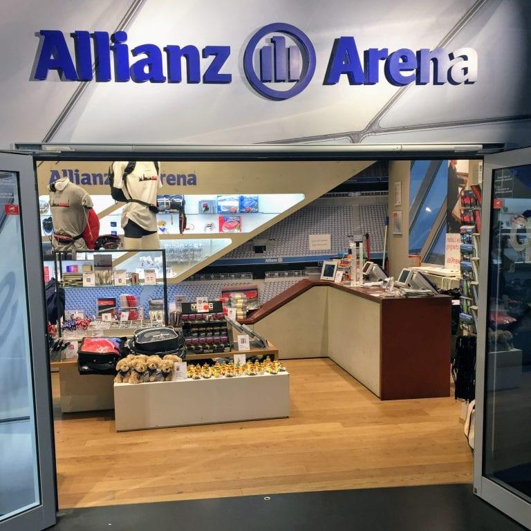 Entrada da loja da Allianz Arena, onde se compra os ingressos