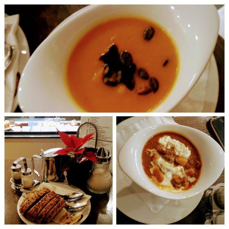 1) Sopa de abóbora 2) Pãozinho que acompanha a sopa 3) Sopa de goulach (carne)