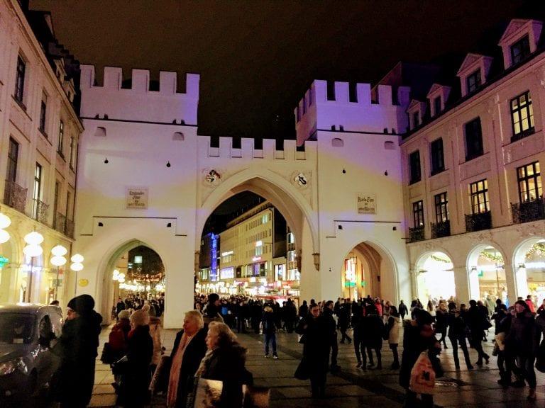 Kartstor, um dos 3 portões da parte antiga da cidade de Munique