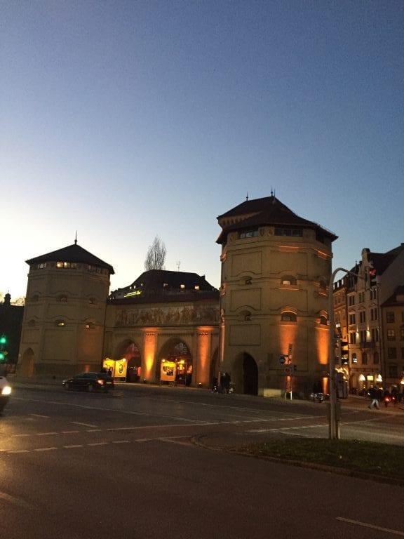 Isartor - mais um dos antigos e belíssimos portões da cidade