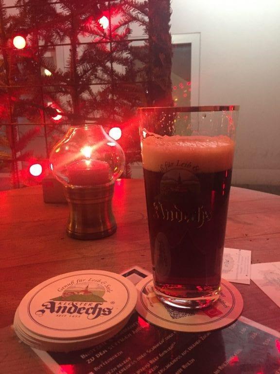 Cerveja Doppelbock Dunkel da Cervejaria Andechser am Dom