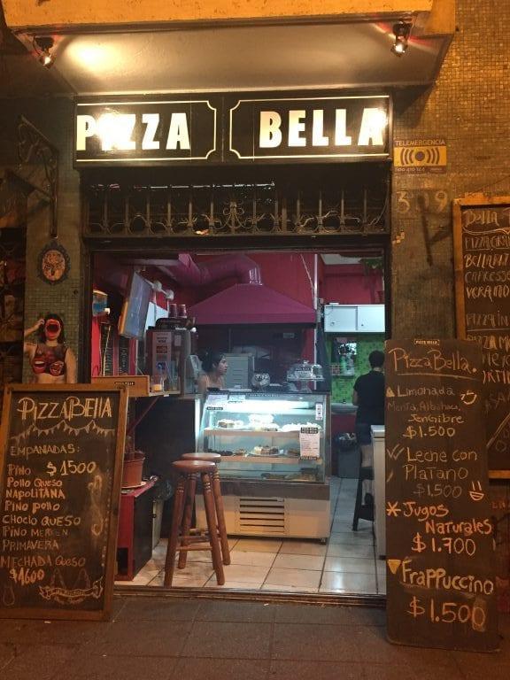 Fachada da Pizza Bella
