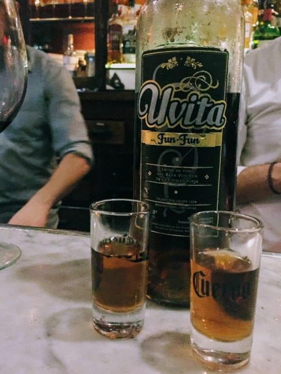 Bar Tabaré: licor Uvita Fun-Fun