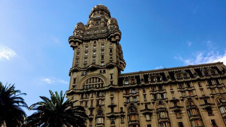 Salvo Suites: como é se hospedar no histórico Palácio Salvo, em Montevidéu, no Uruguai