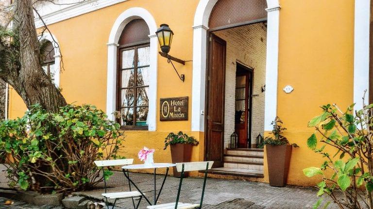 La Misión Hotel: fachada