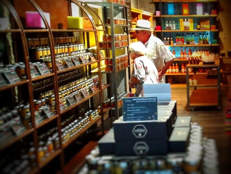 Mercados e Lojas Gourmet Tumb
