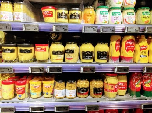 Mostardas nos supermercados em Paris
