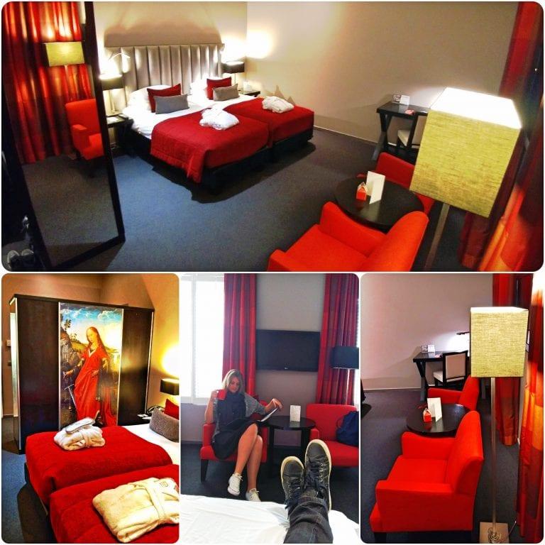 Hotel Martin's Klooster - o quarto com decor em tons de vermelho