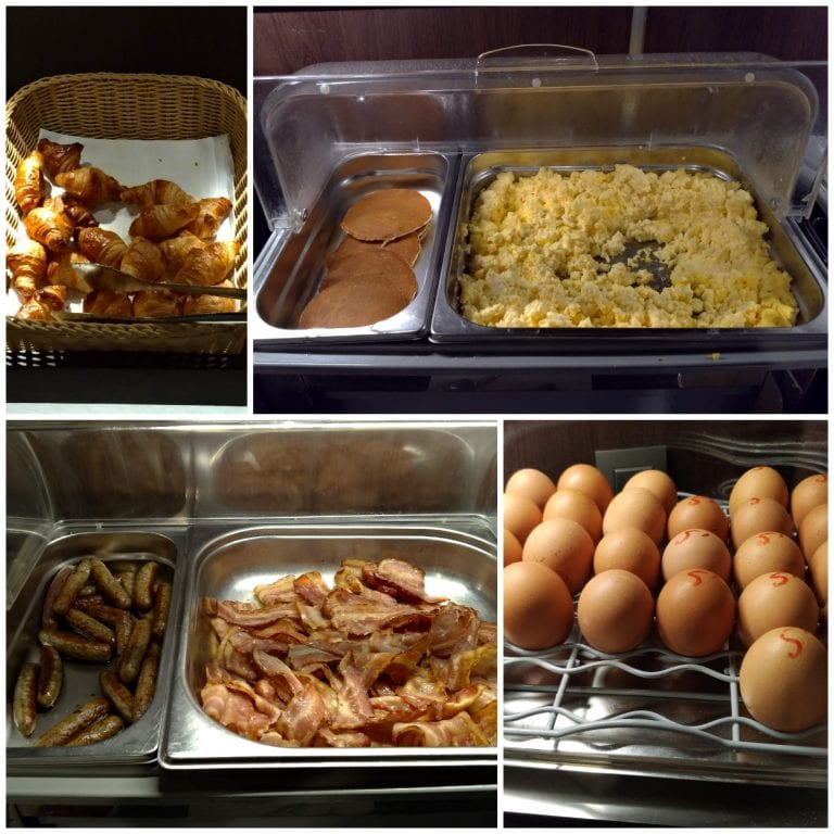 Algumas das opções quentes do café da manhã