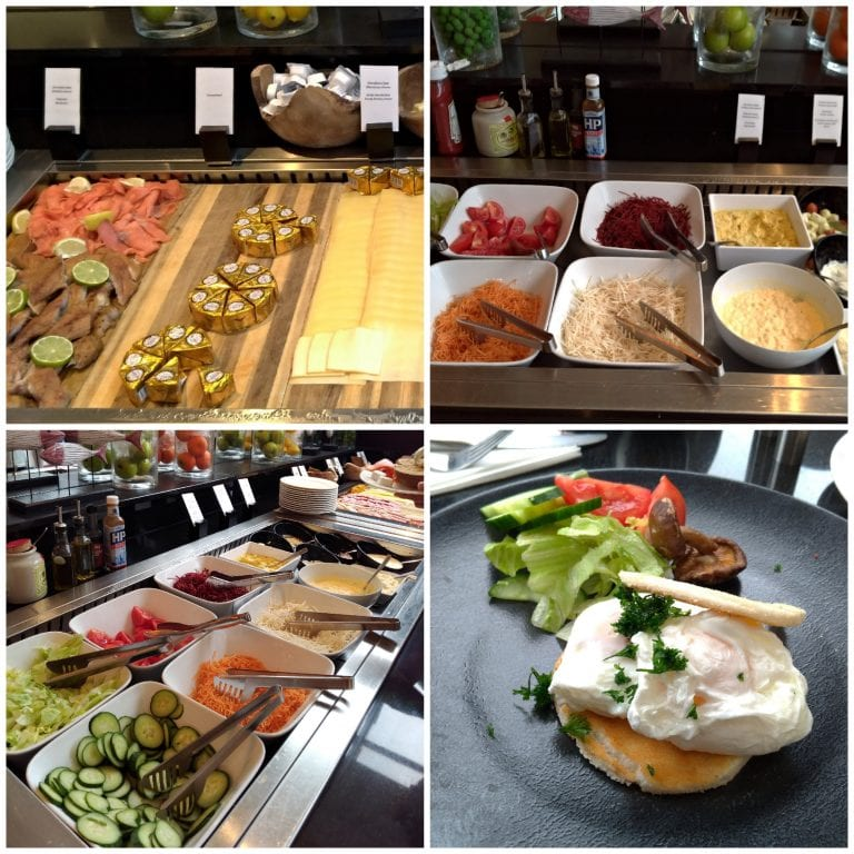 Queijos, frios, peixes defumados, saladas: grande variedade de opções no buffet do café da manhã