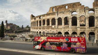 Ônibus de turismo em Roma