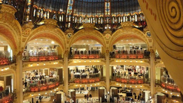 Galeries Lafayette: um paraíso das compras gourmet em Paris