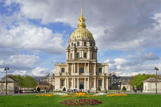 Invalides: Museu militar e túmulo de Napoleão Bonaparte