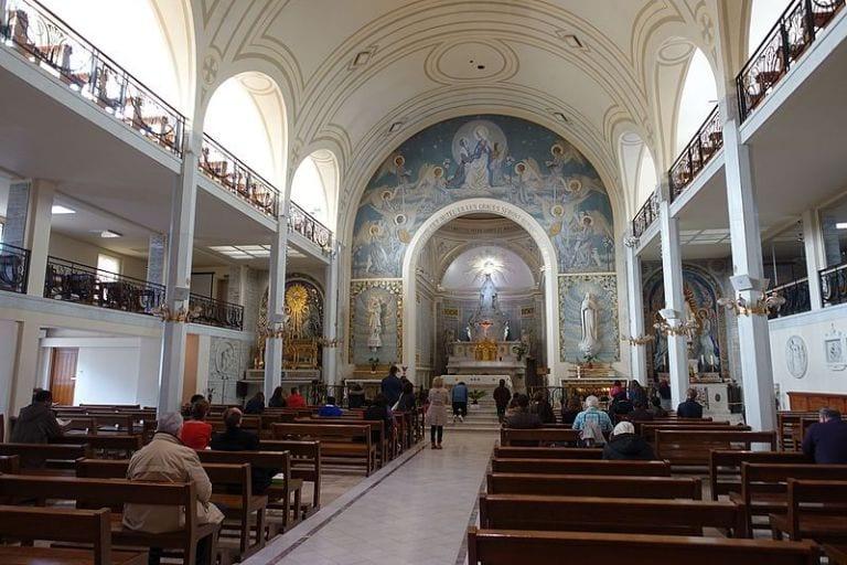 Capela Nossa Senhora da Medalha Milagrosa