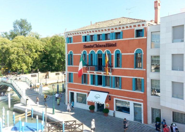 Fachada do Hotel Santa Chiara em Veneza