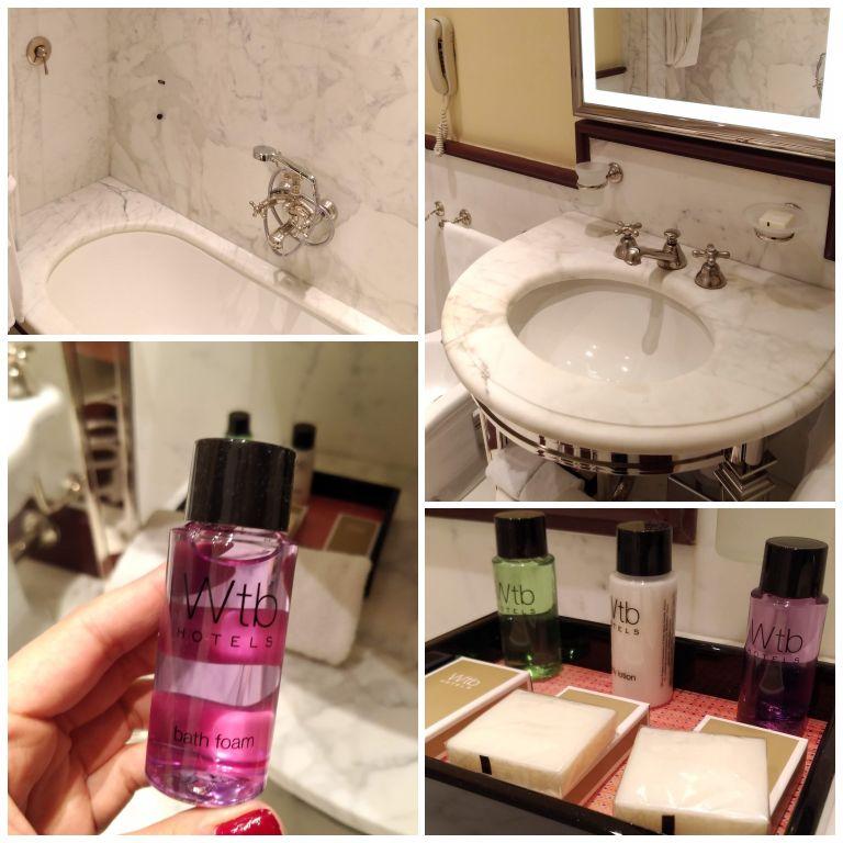Banheiro e kit de amenities