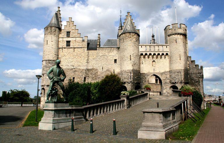 Het Steen: fortaleza medieval na Antuérpia