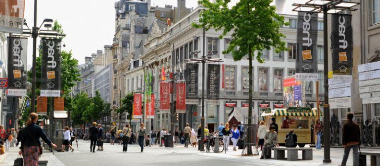 Rua Meir: rua de compras e fechada para carros