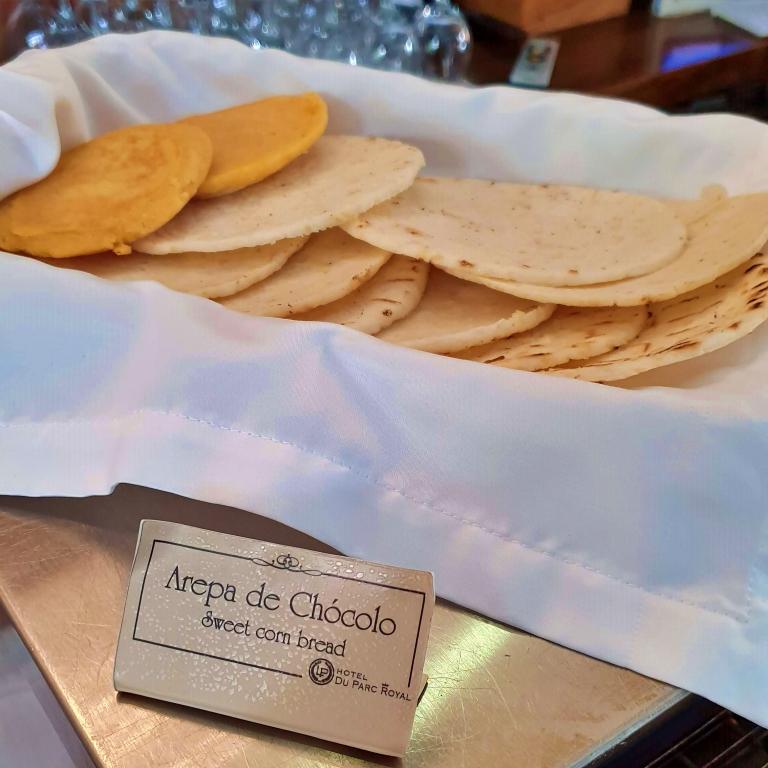 Arepas, uma espécie de pão de milho típico da Colômbia
