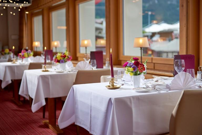 O ambiente do restaurante panorâmico do Kreuz & Post | Imagem: site do hotel