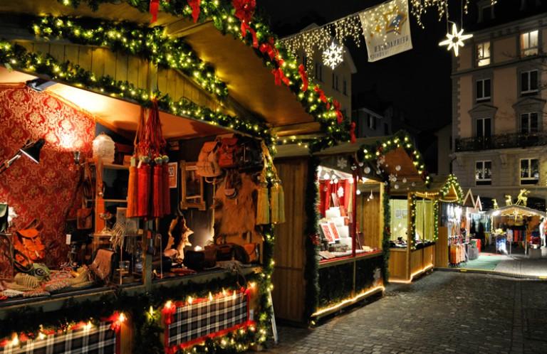 Dörfli: mercado de Natal mais antigo de Zurique no bairro de Niederdorf
