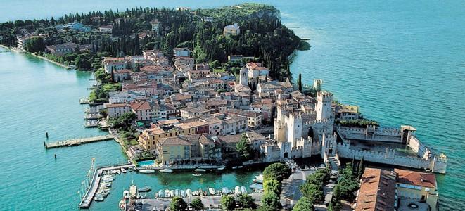 Vista aérea de Sirmione | Fonte: visitgarda.com