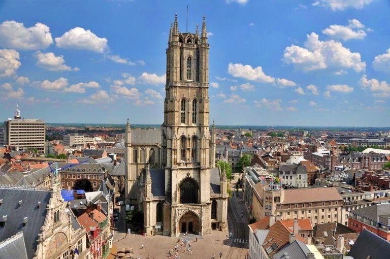 Vista aérea da Catedral de São Bavão| Imagem: sintbaafskathedraal.be