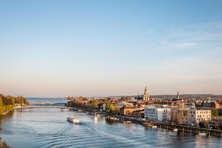 Konstanz - encontro do rio com o lago | Foto: Dagmar Schwelle - Turismo Konstanz