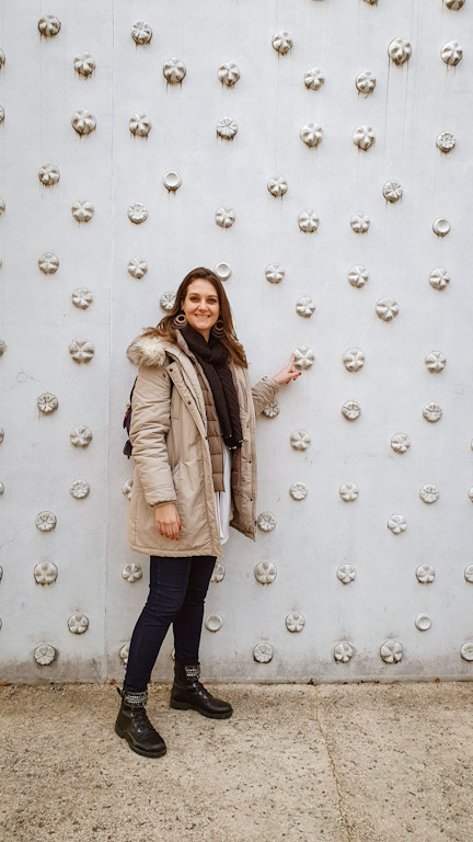 Chai mostrando a parede externa do Museu Vorarlberg