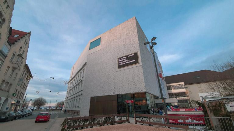 Museu Vorarlberg na praça Kornmarktplatz: considerado uma obra-prima arquitetônica