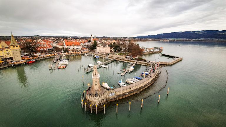 Porto de Lindau visto de cima do novo farol inaugurado em 1856