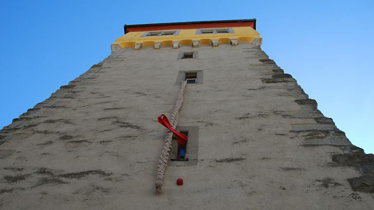 Mangturm: As aulas de conto de fadas para adultos acontecem aqui regularmente no verão - reconhecidas pelo Rapunzelzopf, que fica pendurado em uma das aberturas