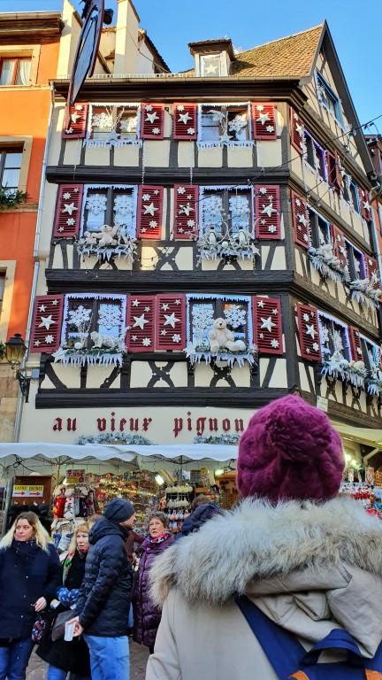 O que fazer em Colmar: foto clássica em frente a Au Vieux Pignon