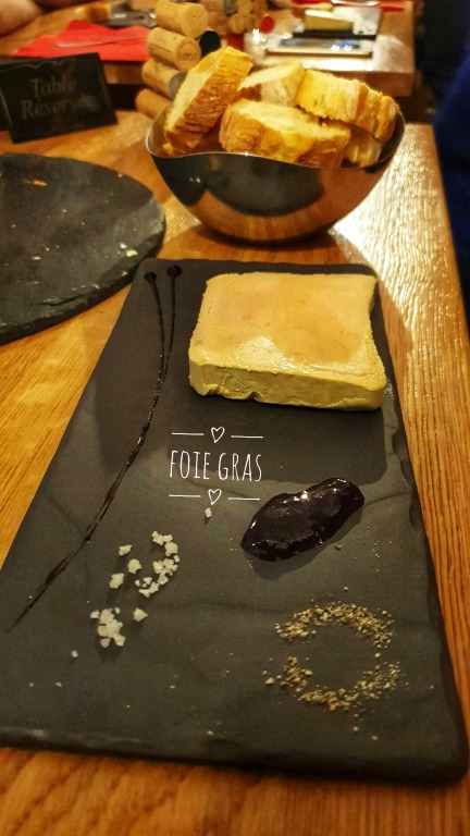 Le Cercle des Aromes: Foie Gras com torradas e geleia