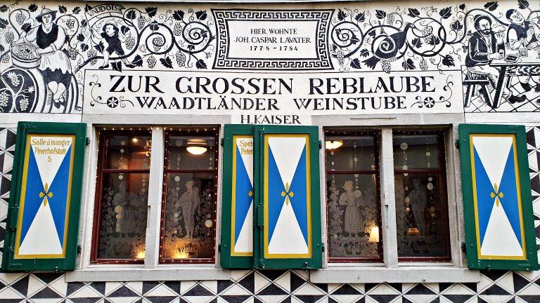 Fachada histórica do restaurante Kaiser's Reblaube | Onde comer em Zurique