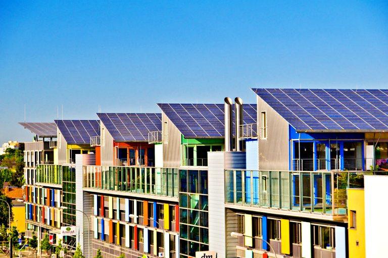 Green City Freiburg: Casas no distrito de Vauban - © FWTM-Schoenen | O que fazer em Freiburg
