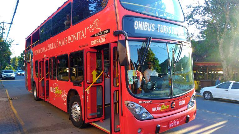 Bustour, o ônibus turismo oficial de Gramado e Canela