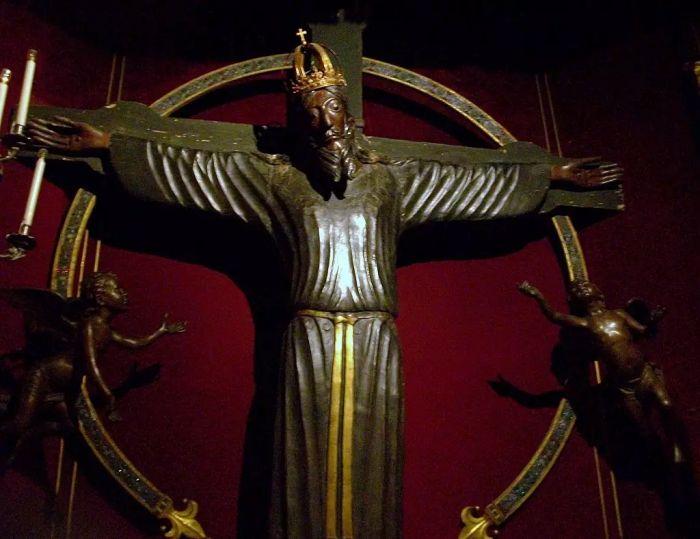 Volto Santo no Duomo di San Martino | O que fazer em Lucca