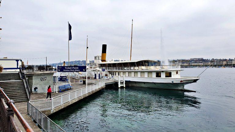 Embarcando para o passeio de barco no lago Léman | O que fazer em Genebra
