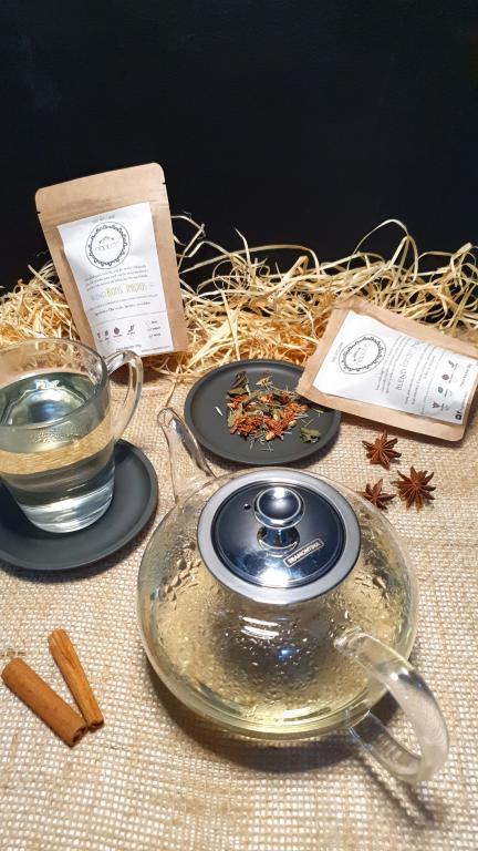 Bule de chá da Tramontina enviado pela Estrela 10 e chás da Naplee Tea