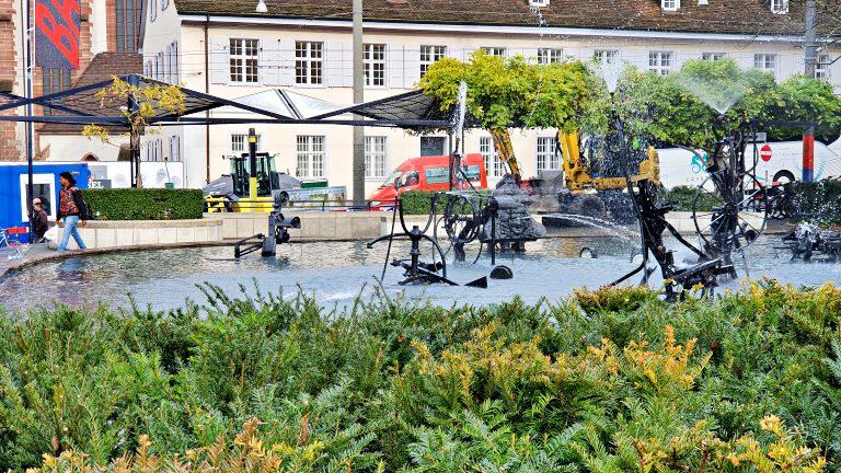 Tinguely Brunnen: fonte com peças de antigo teatro | O que fazer em Basel (Basileia)
