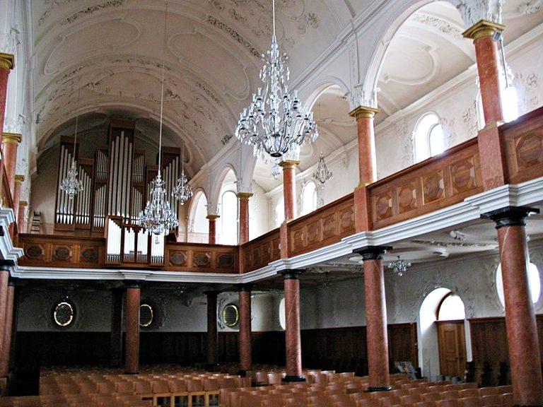 Interior da Kirche St. Peter | O que fazer em Zurique
