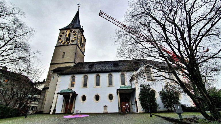 Kirche St. Peter: Igreja mais antiga da cidade | O que fazer em Zurique