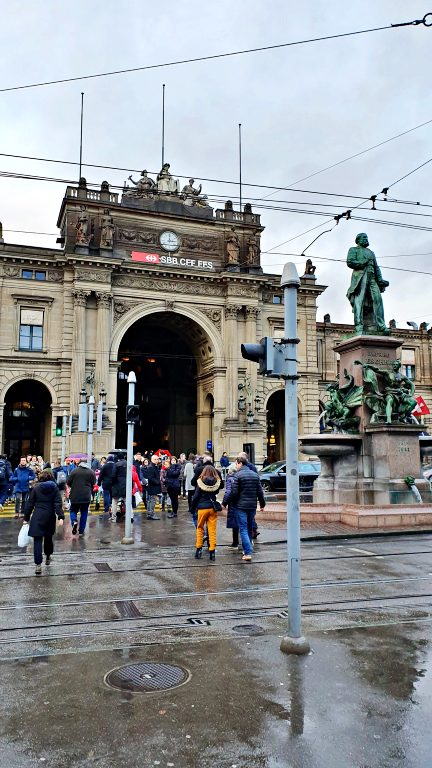 Fachada da Zürich Hauptbahnhof | O que fazer em Zurique