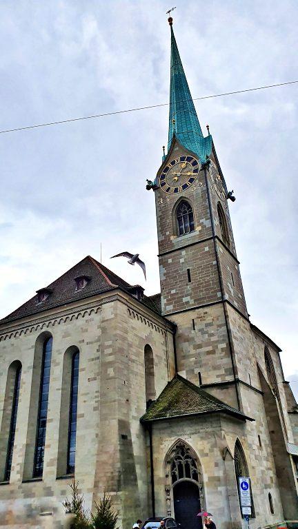 Detalhes da fachada da Fraumünster | O que fazer em Zurique