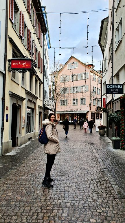Ruas estreitas e construções do centro histórico | O que fazer em Zurique