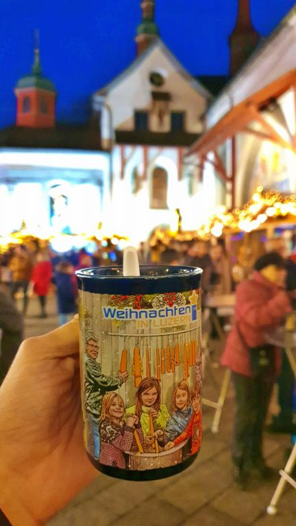 Mercado de Natal de Lucerna na Franziskanerkirche - Igreja Franciscana