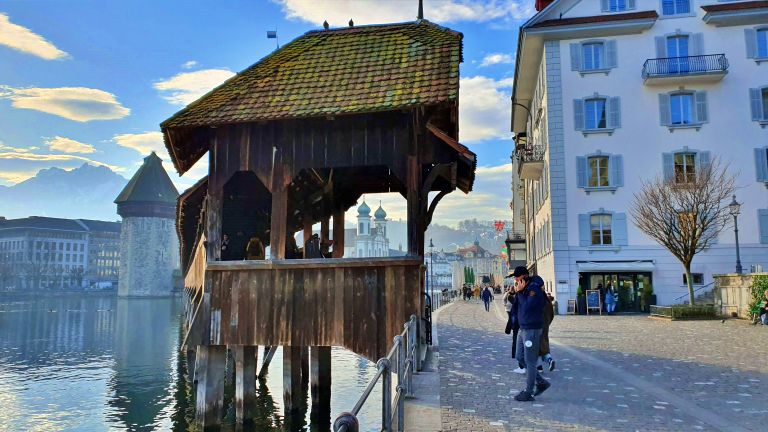 Rathausquai Kapellbrücke