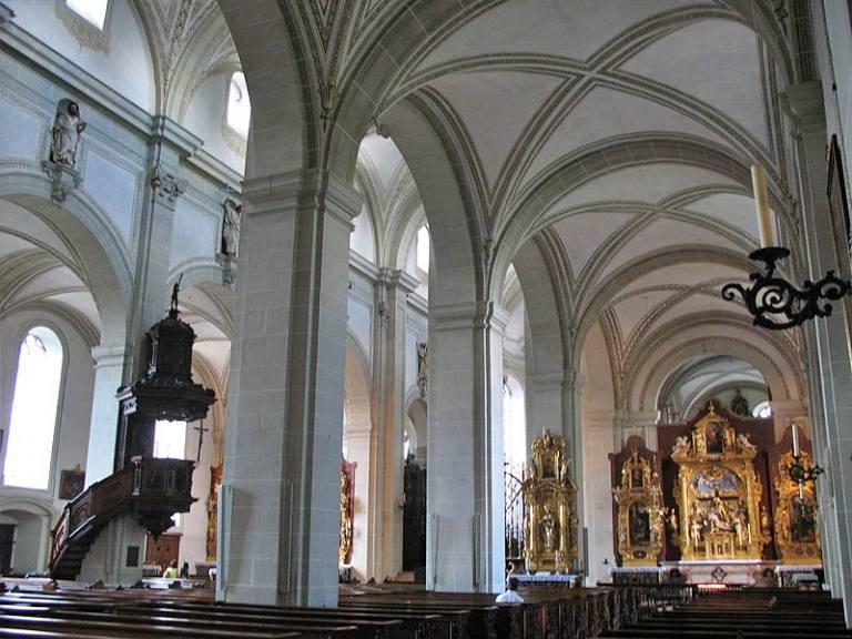 Hofkirche St. Leodegar - Igreja Hof São Léger